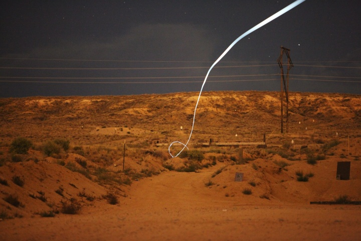 現実がCoD:AWを超えた!?とんでもない軌道で目標を自動追尾する50口径ライフル弾を米国防総省が開発
