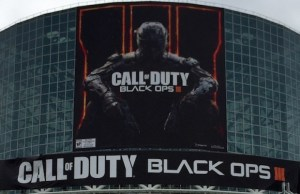 CoD:BO3:E3会場に毎年恒例の巨大垂れ幕出現。先行配信権は存在すらしないかも?