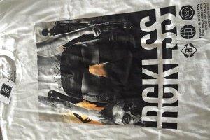 CoD:BO3:Young & Reckless特製のゾンビTシャツをセレブに配布か