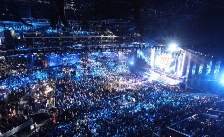 eSports市場が急成長中!今年の総収入335億円、2018年には1000億円目前に