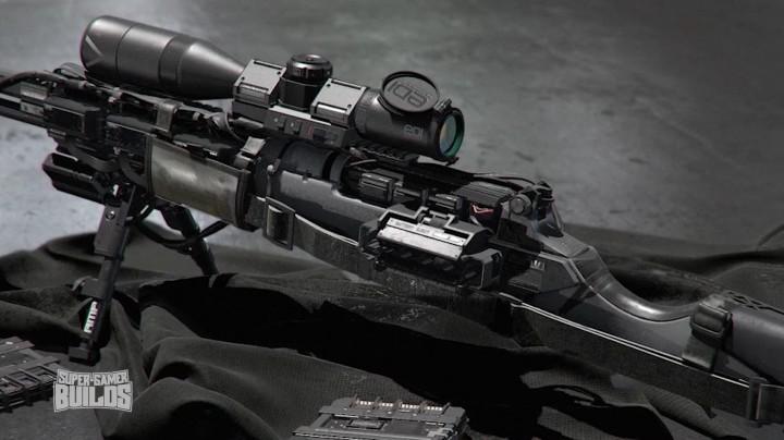 ハイブリッドスナイパーライフル「EBR800」。スナイパーライフルとアサルトライフルのモードを切り替えられる。
