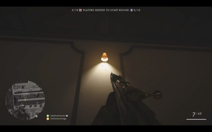 壁のライトも射撃で破壊可能