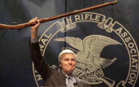 全米ライフル協会幹部、高校銃乱射事件で生き残った生徒を「嘘つき」痛烈批判