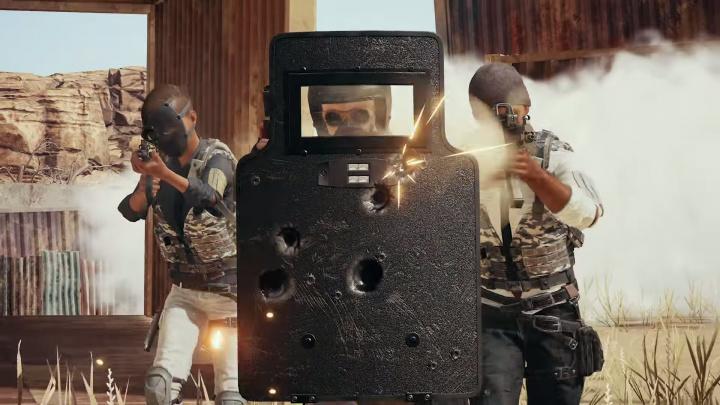 『PUBG』にシールド実装、構えたまま銃撃も可能。雪マップは