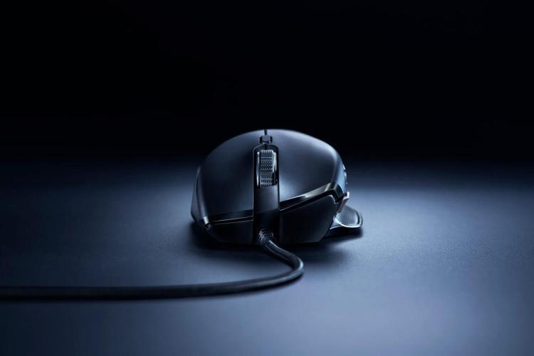 Razer、6,400DPI 光学センサーを採用したゲーミングマウス 「Basilisk Essential」3月29日発売