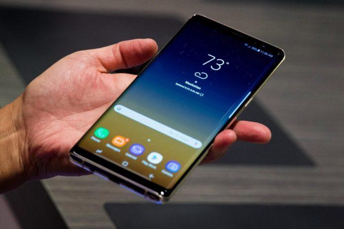 Điều gì sẽ giúp Galaxy S10 đánh bại iPhone XS của Apple? 4