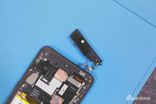 Mổ bung chiếc OPPO Reno 10X Zoom mảnh mai để xem tận mắt cụm camera pop-up 5