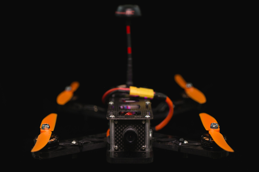I'm Addicted to flying FPV Quadcopters - FPV FlightClub