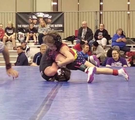 kids wrestling