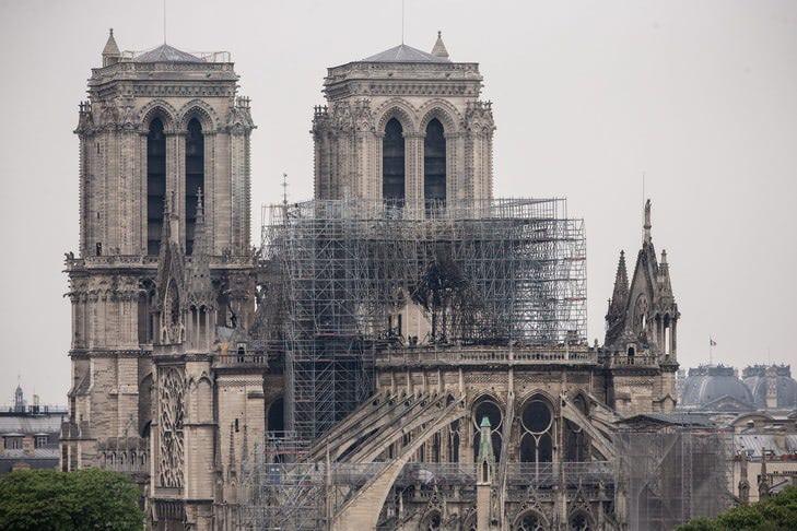 cathedrale-Notre-Dame-Paris-16-avrillincendie_1_729_486.jpg
