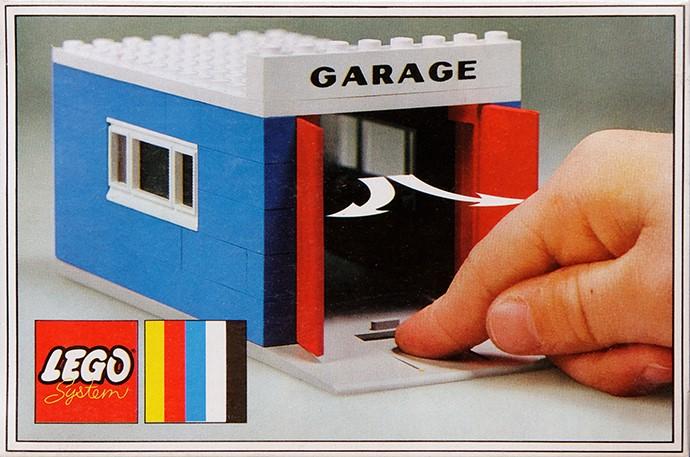 Bricker  Construit par LEGO 348 Garage with Automatic Doors