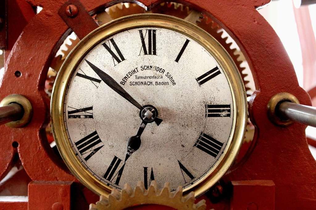 Au moment de concevoir les horloges comme des cercles, il s'est révélé aisé de les diviser en 12 parts égales pour montrer le passage des heures. © khfalk, Pixabay, DP