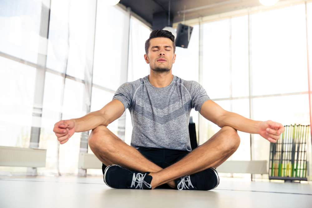 According to one study, combining meditation and sports twice a week for two months reduced the symptoms associated with depression by 40%. © Dean Drobot, shutterstock.com