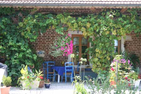 Chambres dhtes Maison Cheval Blanc MontpontenBresse  Europa Bed  Breakfast