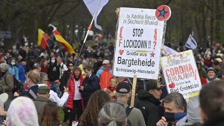 Allemagne : le Renseignement place sous surveillance des militants anti-restrictions