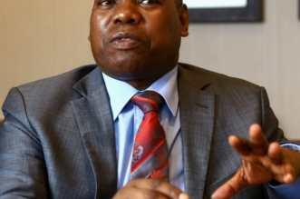 Le ministre sud-africain de la Santé, Zweli Mkhize, a fait savoir ce mardi que son gouvernement était en état d'alerte élevé face au variant B.1.617 du virus SARS-CoV-2,