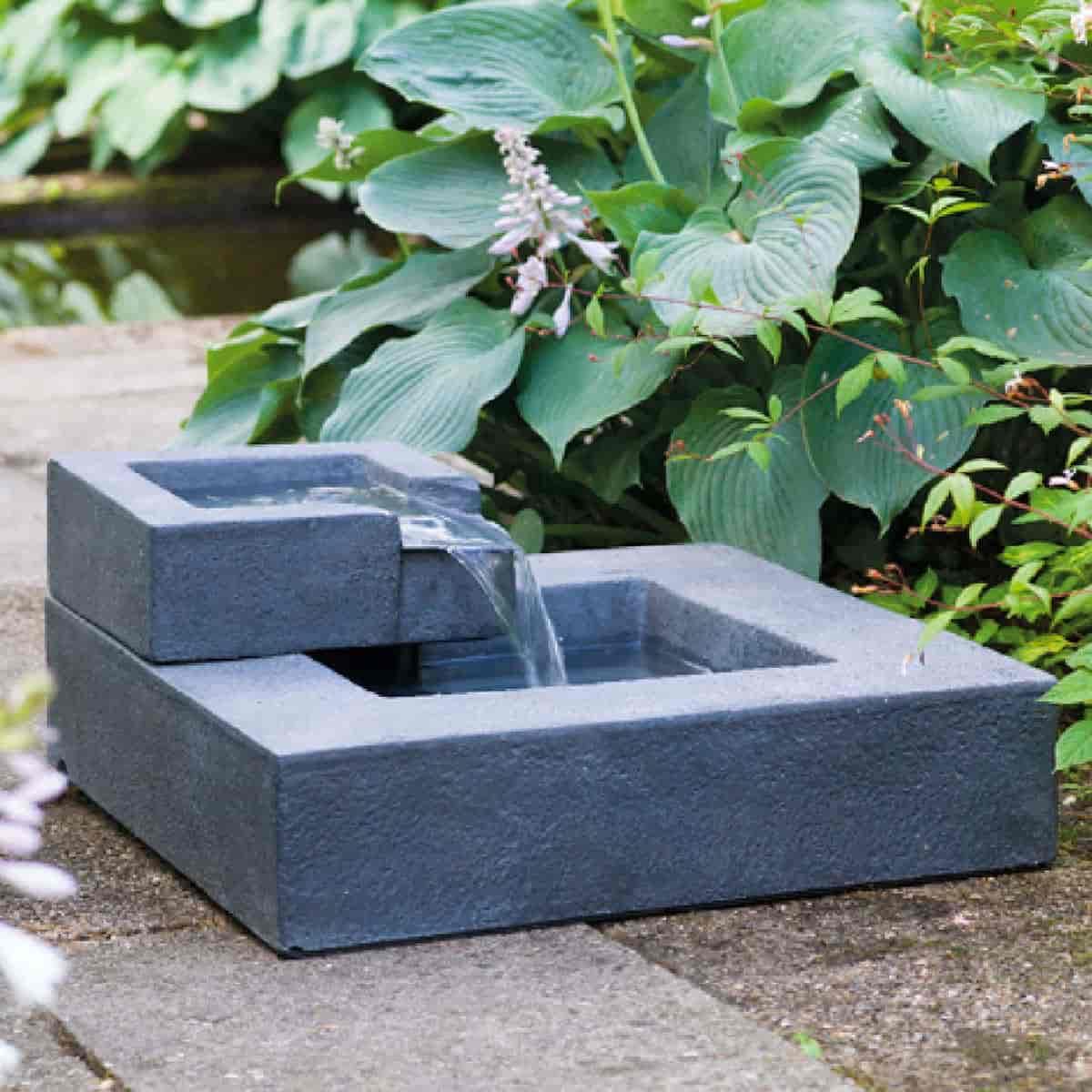 fontaine en cascade carree exterieur
