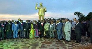 Photo des membres du gouvernement Matata II.