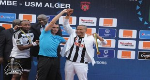 Photo du president de TP Mazembe lors d'une final de la competition africaine.