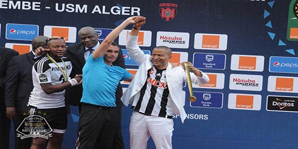 Photo du president de TP Mazembe lors d'une final de la competition africaine.
