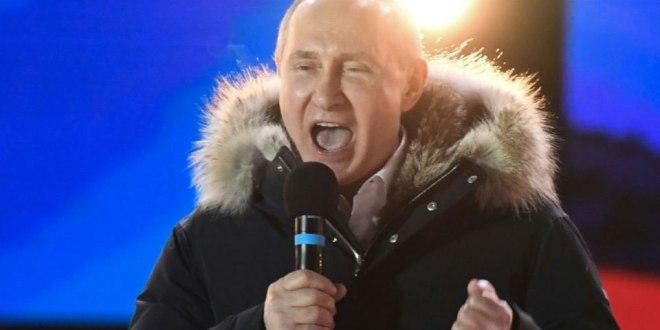 Vladimir Poutine fête sa victoire attendue à la présidentielle, le 18 mars 2018 à Moscou