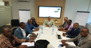 Moise KATUMBI et son team, lors d'une réunion.