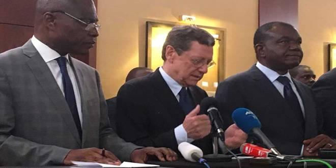 Martin FAYULU, Alan DOSS et Freddy MATUNGULU lors de la signature de l'accord de Genève, désignant le candidat commun de l'opposition a la présidentielle 2018.