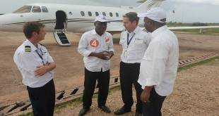Martin FAYULU et ses pilotes interdits de décollage.