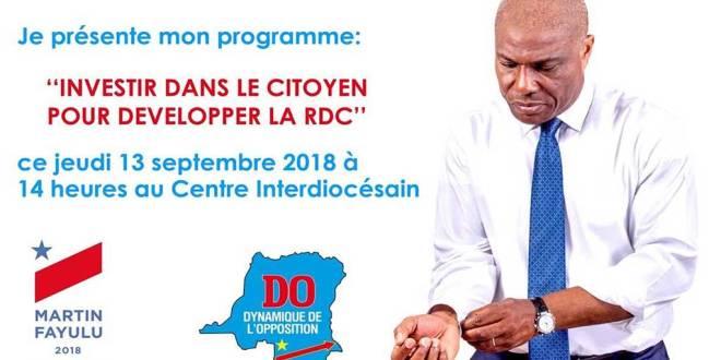 Martin FAYULU, banderole annonçant la présentation de son programme du Gouvernement.
