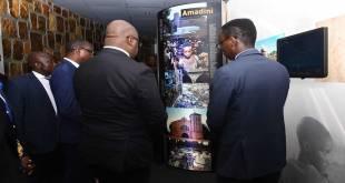 Visite du président de la RDC [Fatshi], au memorial du genocide rwandais.