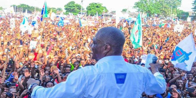 Martin FAYULU MADIDI, lors d'un meeting public a la Place de la Poste, Kisangani, Mai 2019.