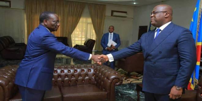 Poignée des mains entre Fatshi, président de la RDC et son Premier ministre, Ilunga.