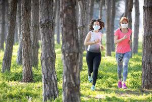 courir avec un masque