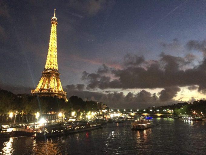 Diner-Croisière et Tour-Eiffel