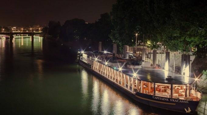 Capitaine Fracasse: Diner Croisière pas cher à Paris