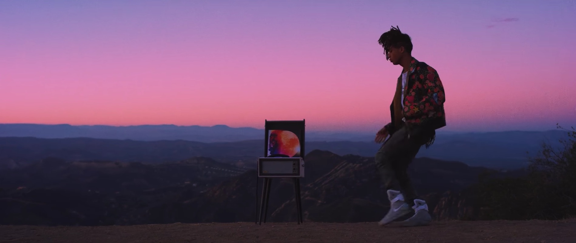 Blood Falling Wallpaper Video Of The Day Jaden Smith Fallen Trace
