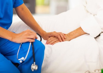 Tunisie : «Nos patients au Covid-19 négatif meurent silencieusement chez eux…»
