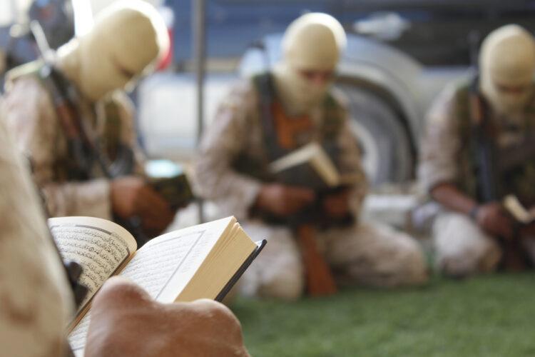 Macron accuse la Turquie d'envoyer des djihadistes de Syrie en Azerbaïdjan