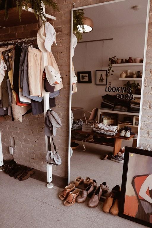 Boutique de vêtements vintage et café dans l'est de Toronto