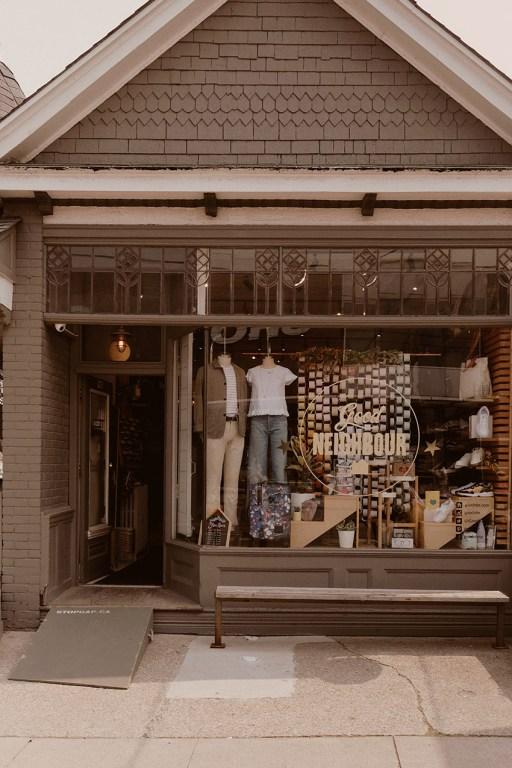 Magasin de vêtements Good Neighbour dans l'est de Toronto
