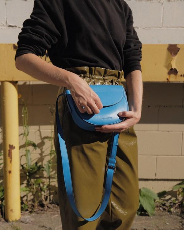 Détails du sac Corsia par la compagnie québécoise de sacs à main éthiques en cuir Wearshop