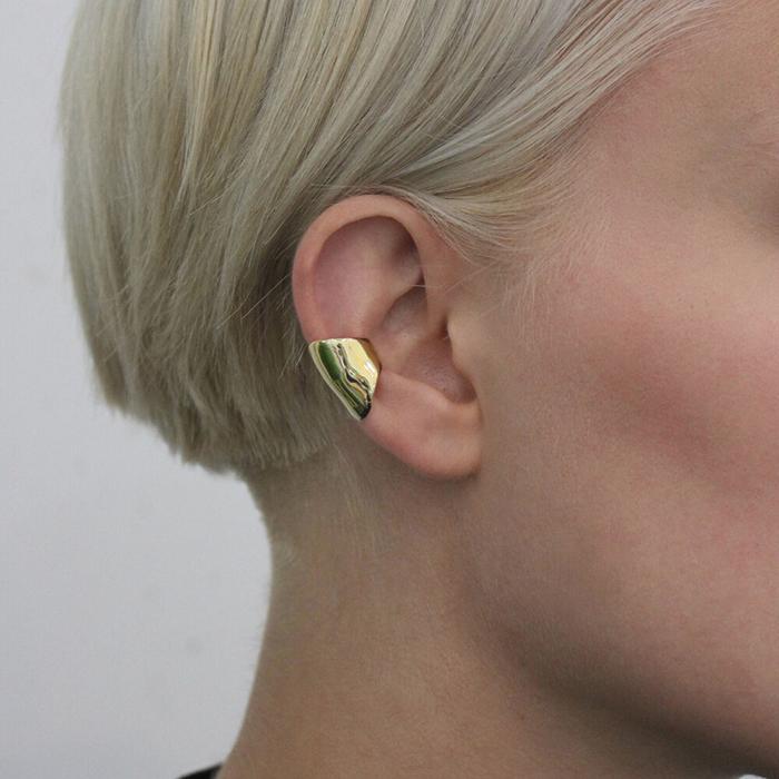 Cuff pour oreille en laiton de LLY Atelier