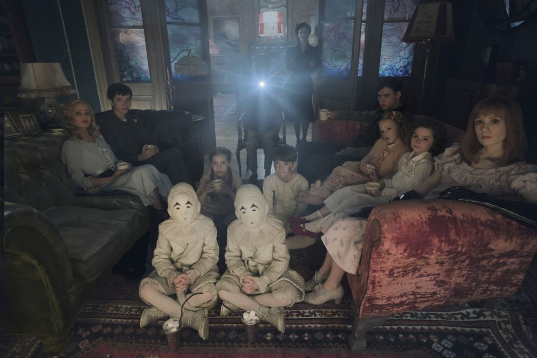 Miss Peregrine et les enfants particuliers : Photo Asa Butterfield, Ella Purnell, Eva Green, Lauren McCrostie, Pixie Davies