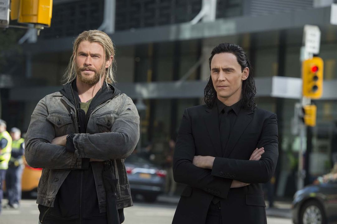 Thor : Ragnarok : Photo Chris Hemsworth, Tom Hiddleston