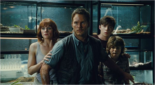 Jurassic World : Photo Bryce Dallas Howard, Chris Pratt, Nick Robinson, Ty Simpkins