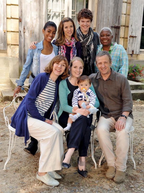 Famille D'accueil Le Secret De Lulu : famille, d'accueil, secret, Famille, D'accueil, Série, AlloCiné