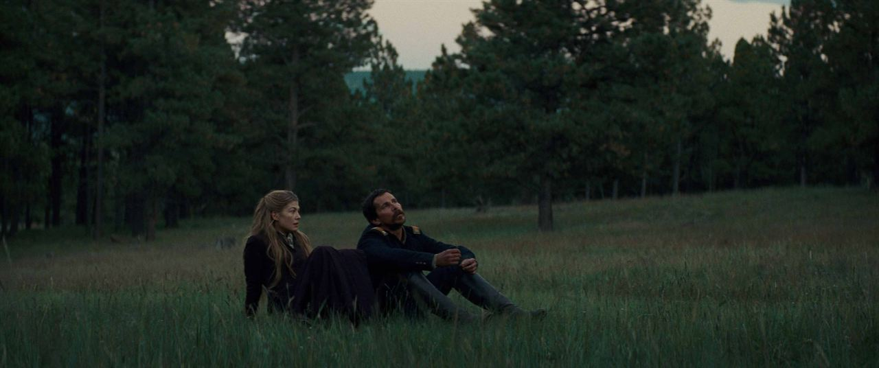 Hostiles : Photo Christian Bale, Rosamund Pike