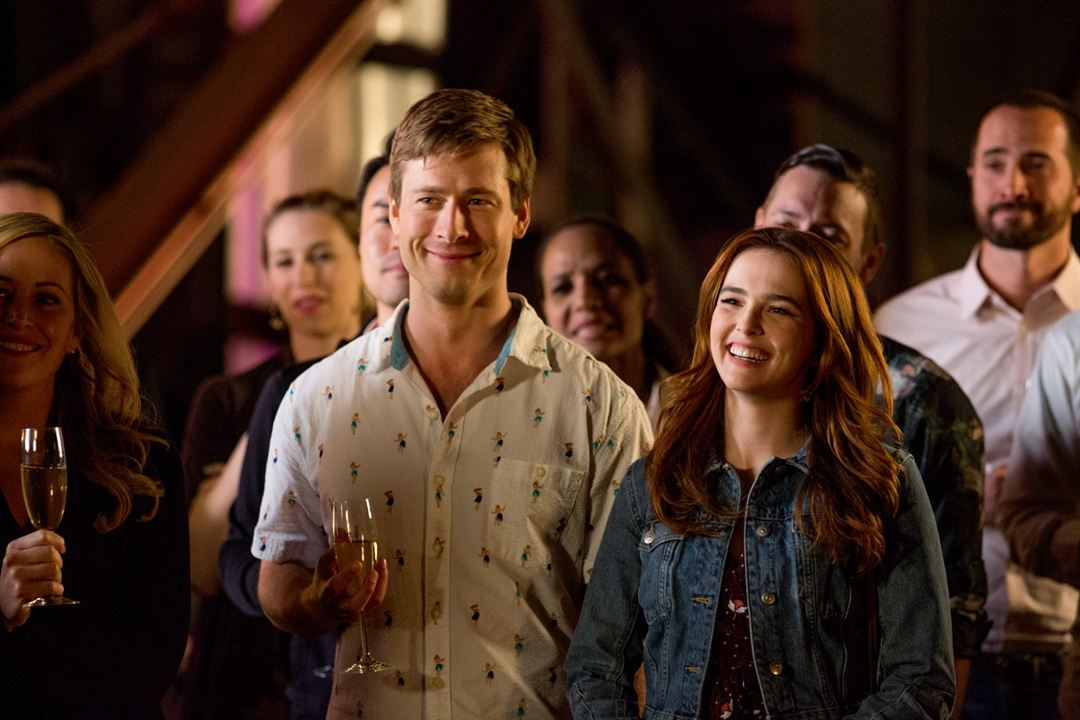 Petits coups montés : Photo Glen Powell, Zoey Deutch