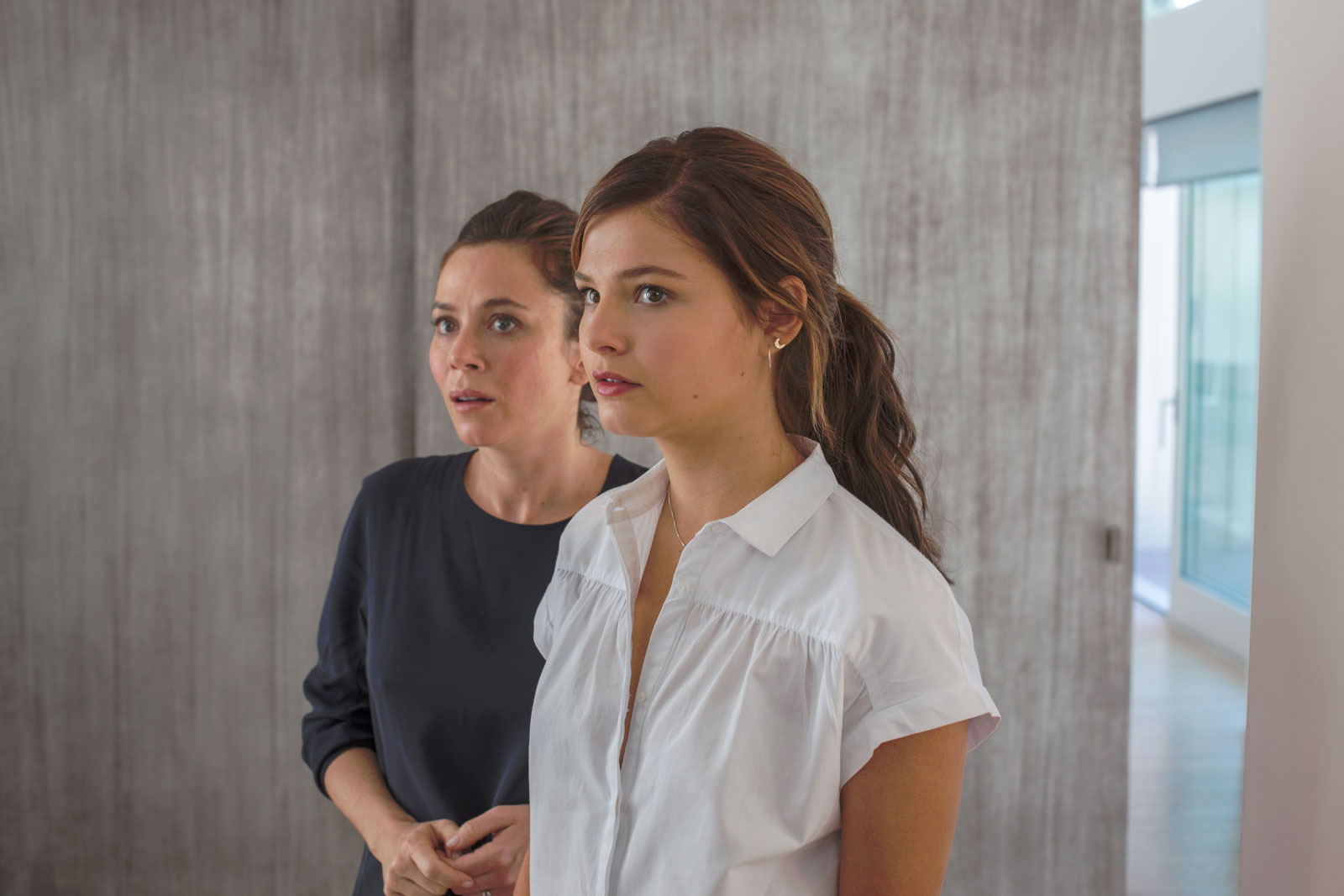 Rose (Anna Friel) et Nancy (Stefanie Scott)