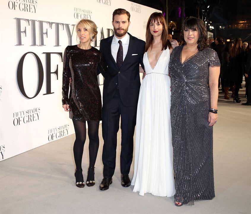 Christian grey est un homme d'affaires aussi riche. Photo de Dakota Johnson - Cinquante Nuances de Grey ...